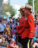 RCMP canadiense en desfile de capital de Edmonton el ex fotografía de archivo
