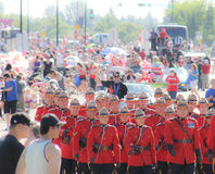 Rcmp het marcheren band in Paraderoute Royalty-vrije Stock Foto's