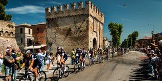 98 rd-Autogiro d Italien (Ausflug von Italien) - Radfahrenfano Stadt Lizenzfreie Stockfotografie