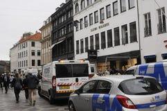 3rd dag, sedan branden broked i den Illum boligusen Fotografering för Bildbyråer