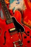 Röd elektrisk gitarr Royaltyfri Foto
