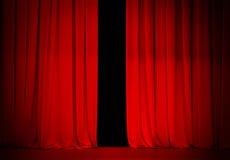 Röd gardin på theatre- eller bioetapp Royaltyfri Foto