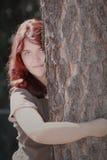 Röd hårkvinna  Arkivbild
