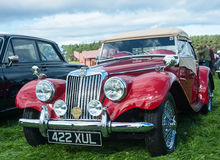 Röd MG TF sportbil Royaltyfri Fotografi