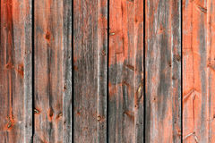 Röd och Grey Rustic Weathered Barn Wood brädebakgrund Royaltyfri Foto