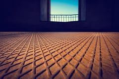 Rdzewiejąca metal podłoga z kształtującym wzorem Zdjęcia Stock