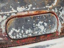 Rdzewiejący i wietrzejący lotniczego naboru łopot przegniła stara ciężarówka Obraz Stock