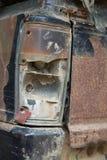 Rdzewiejący samochodowy stary pickup w parking Fotografia Stock