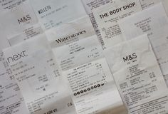 Reçus d'achats pour des détaillants en Angleterre photo libre de droits
