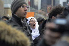 Reúnase contra la prohibición musulmán del ` s de Donald Trump en Toronto Foto de archivo libre de regalías