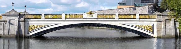 Re Bridge a Dublino - PANORAMA Immagini Stock