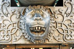 Re Cannon in Cremlino di Mosca, testa del cannone dello zar del leone Immagine Stock