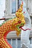 Re della statua del naga nel templ tailandese immagine stock