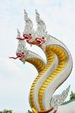 Re della statua del naga nel templ tailandese immagini stock libere da diritti