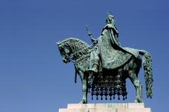 Re ed il suo cavallo a Budapest immagini stock libere da diritti