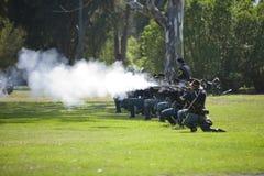 Re-Enactment 11 da guerra civil - incêndio do Carbine Fotos de Stock Royalty Free