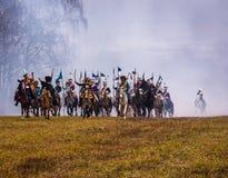 Re-enactors en el campo de batalla del rodaballo para la reconstrucción de la batalla 1812 del río de Berezina, Bielorrusia Foto de archivo libre de regalías
