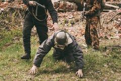 Re-enactors vestido como soldados soviéticos do russo da segunda guerra mundial Foto de Stock Royalty Free