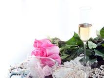 Róże i szkło wino Zdjęcie Royalty Free