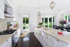 Área da cozinha e de jantar Imagens de Stock Royalty Free