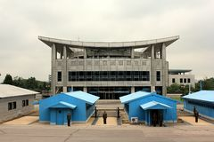 Área de Panmunjom según lo visto de Corea del Norte  Imagen de archivo