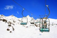 Área do esqui e montanha da neve Fotografia de Stock Royalty Free