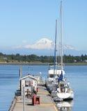 Reabastecimento no porto Imagem de Stock Royalty Free