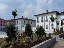 Reabertura de Busto Arsizio Itália do quadrado de Vittorio Emanuele II ao tráfego foto de stock royalty free