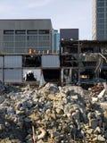 Reabilitação urbana: blocos e demolição de escritório Fotografia de Stock