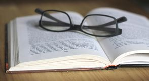 Read Open book Stock Photos