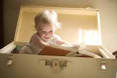 Free Reading A Book Stock Images - 5200614