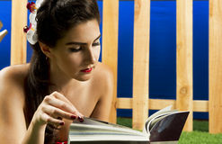 Reading beauty Royalty Free Stock Images