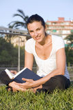 Reading a book Royalty Free Stock Images