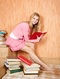 Reading girl Royalty Free Stock Photography