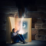 Reading and imagination Royalty Free Stock Images