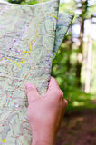 Reading a map Royalty Free Stock Photos