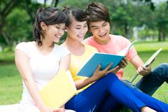 Reading in the open air Royalty Free Stock Photography