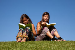 Reading at the park Royalty Free Stock Images