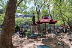 Reading room in Bryant park, Midtown, Manhattan, New York Stock Photo
