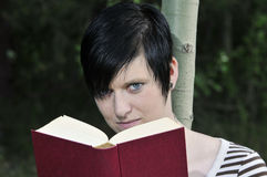 Reading woman Royalty Free Stock Images
