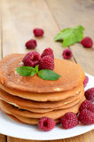Ready to eat pancakes with raspberry Royalty Free Stock Photos