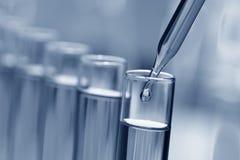 Reageerbuizen in het Laboratorium van het Onderzoek van de Wetenschap Stock Foto