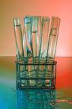 Reagenzglas-Gestell. Rot Lizenzfreie Stockfotos