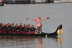 Reais tailandeses barge dentro Banguecoque Imagens de Stock Royalty Free