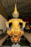 Real barge adentro el Museo Nacional de gabarras reales, Bangkok, Tailandia foto de archivo libre de regalías
