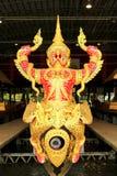 Real barge adentro el Museo Nacional de gabarras reales, Bangkok, Tailandia imagen de archivo