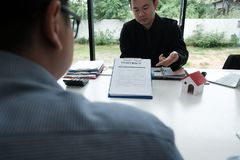 Real estate agent have meeting with customer. sale & purchase pr Royalty Free Stock Photo