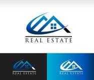 Real Estate contiene el tejado Logo Icon Foto de archivo libre de regalías
