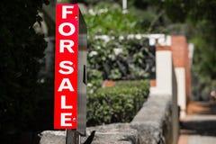 Real Estate da vendere firma il mercato residenziale Fotografie Stock Libere da Diritti