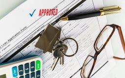 Real Estate hipoteca el acuerdo de préstamo aprobado imágenes de archivo libres de regalías